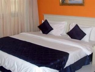 Отель Al Maha Regency Suites 3*, Шарджа - фото 10