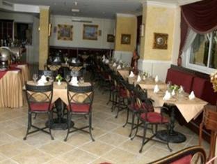 Отель Al Maha Regency Suites 3*, Шарджа - фото 15