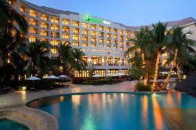 Горящие туры в отель Holiday Inn Resort Sanya Bay 5*, Санья,